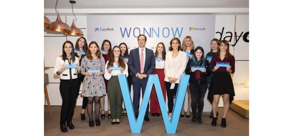 Tres alumnas de la ESI reciben el premio WONNOW de CaixaBank y Microsoft